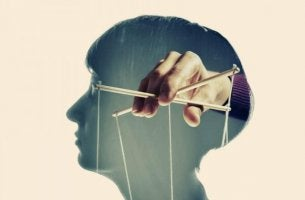 Experiment som manipulerar sinnet