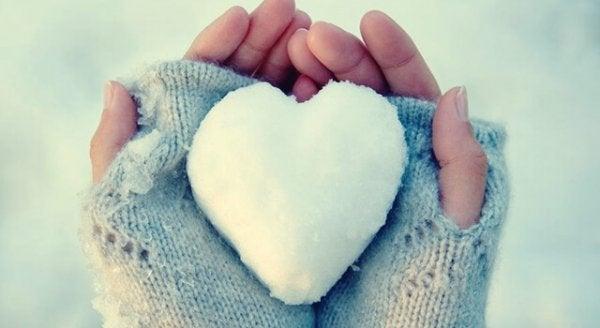Hjärtan av is: Folk som kämpar med att uttrycka sina känslor