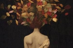 Kvinna med löv som hår
