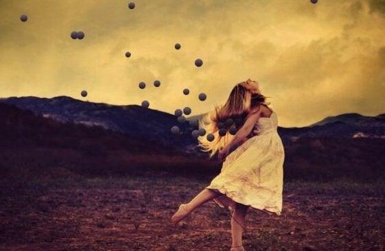 Kvinna med bollar