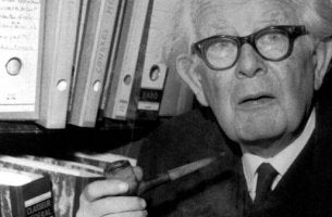 Jean Piaget och hans teorier om kognitiv utveckling hos barn