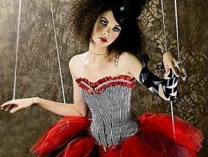 Kvinna som docka