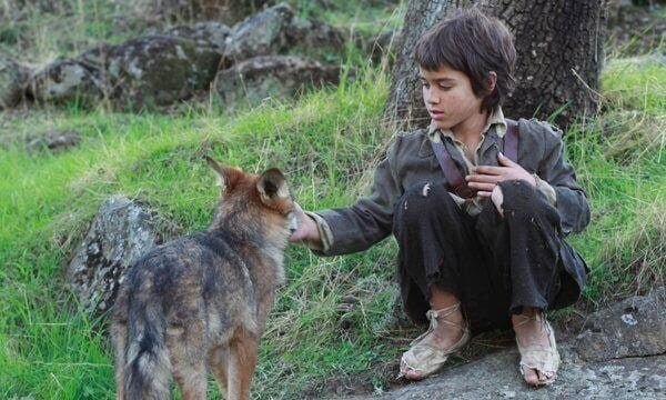 Att leva bland vargar: berättelsen om ett vilt barn