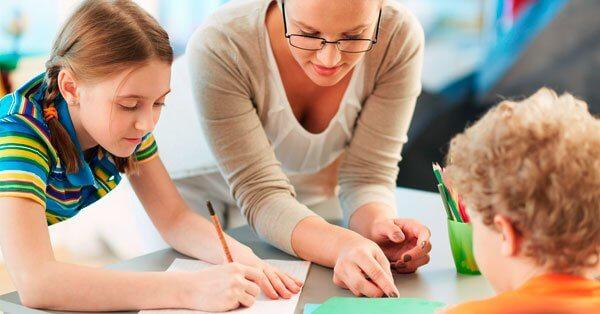 Lärare med elev