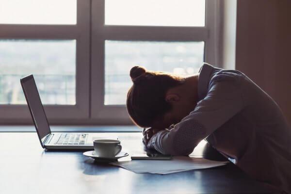 6 drag hos personer som är beroende av negativitet