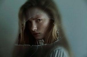 Kvinna med passiv-aggressiv personlighetsstörning