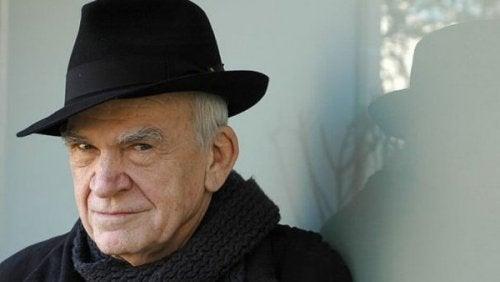 10 oförglömliga citat av Milan Kundera