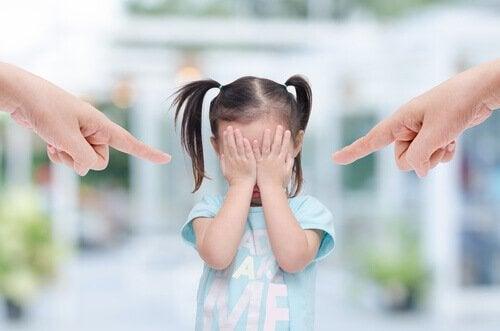 6 egenskaper hos giftiga föräldrar