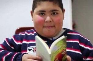 Läsning är medicin enligt Ruben Dario Avalos