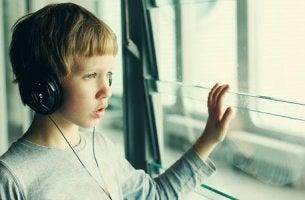 Barn med autism