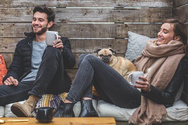 I weekend-relationer är det viktigt att visa vad man kan ge den andra parten