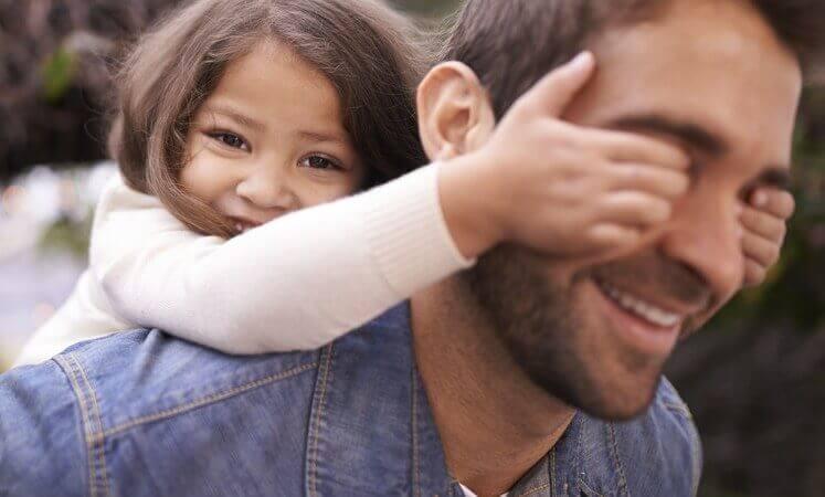 Flicka och far