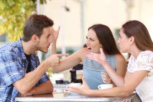 7 vanliga attityder hos intoleranta människor