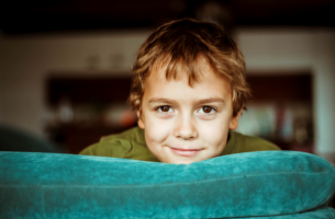 Få snälla barn med beteendetekniker för uppfostran
