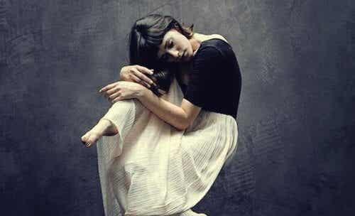 Att gömma sina känslor tar ut sin rätt