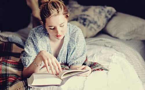 Att läsa innan läggdags: din hjärna kommer älska det