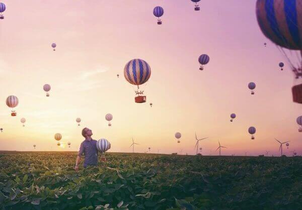 Ballonger över fält