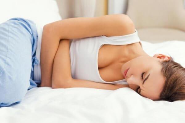 Kvinna med PMS