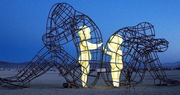 Skulptur av barn