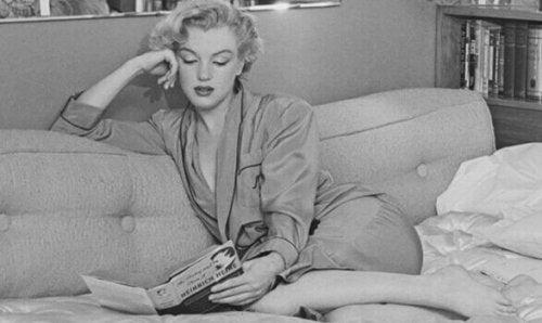 marilyn monroe läser