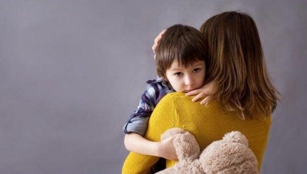 Barn med mamma