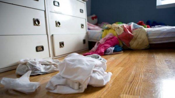 Kläder på golvet