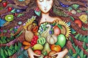 Kvinna bland frukt