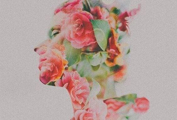 Blommig kvinna