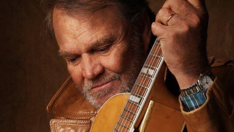 Glen Campbell med gitarr.
