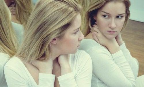 Självkänsla och ego: 7 skillnader