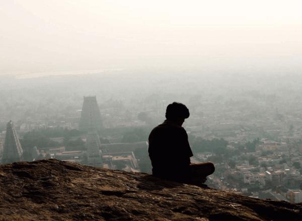 Man hanterar ensamhet