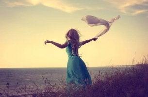 Kvinna hanterar oönskad ensamhet