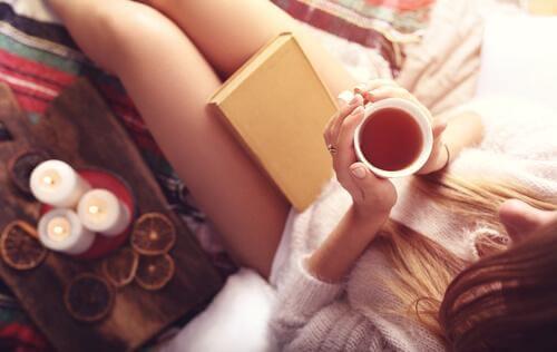 Te och en bok
