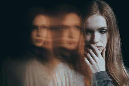 Social ångest: när rädsla kontrollerar dina relationer