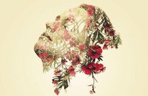 Kvinnoansikte med blommor