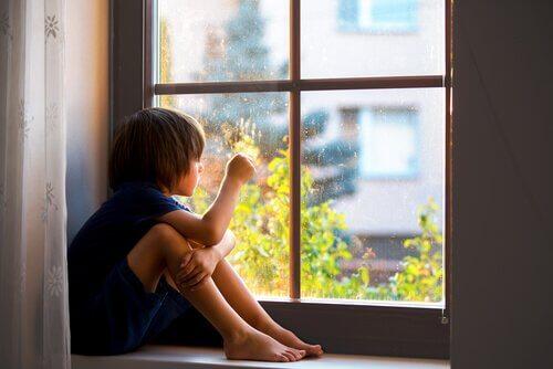 Separationsångest: varför anknytning är bra för barn