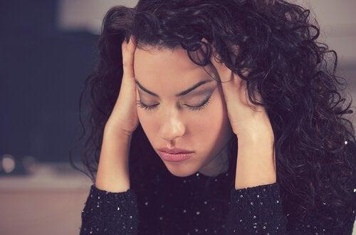 Varför är jag så trött? Orsaker och hur du kan sova bra
