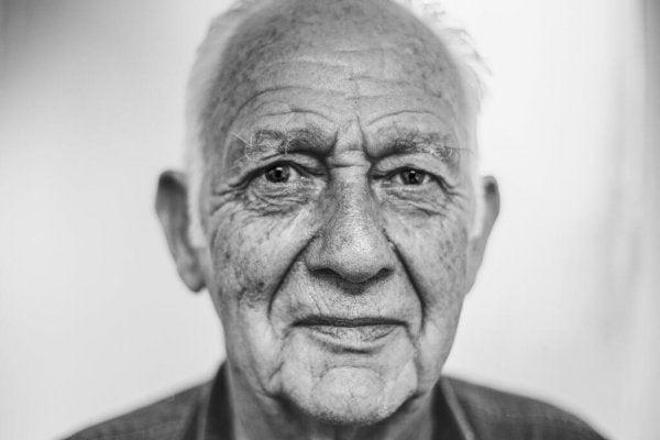 Äldre mans ansikte