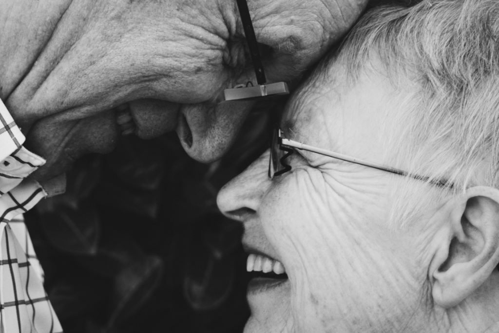 Aktivt åldrande: att åldras med hälsa och välbefinnande