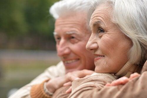 Äldre par tillsammans