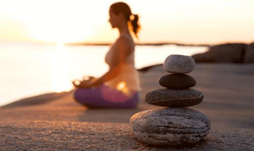 Att meditera hjälper oss att vara lyckliga