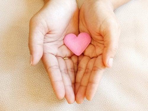 Kärlek enligt buddhismen är att vara lycklig för någon annans skull