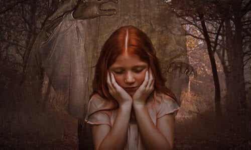 Döttrar till narcissistiska mödrar: egoism & känslokyla