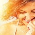 Ett överlägset leende är inte för att visa andra att du är lycklig