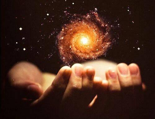 Kosmos i händer