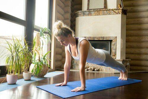 Yogaställningar kan bidra till kroppslig och själslig balans