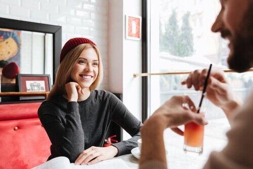 2 tips för att knyta emotionella band med andra