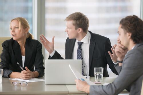 7 tecken på att du befinner dig i en giftig arbetsmiljö