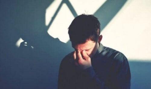 Deprimerade personer har er aktivitet i höger hjärnhalva