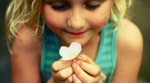 Barn behöver känslomässiga uttryck för att växa